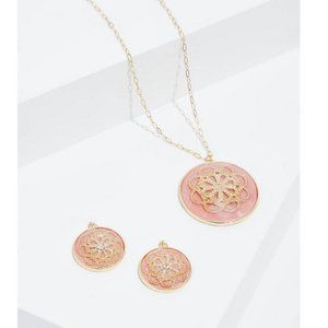 PEACH & GOLD-TONE FLORAL NECKLACE & EARRING SET